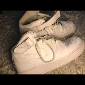 Mid Air Force 1s Size US 9.5